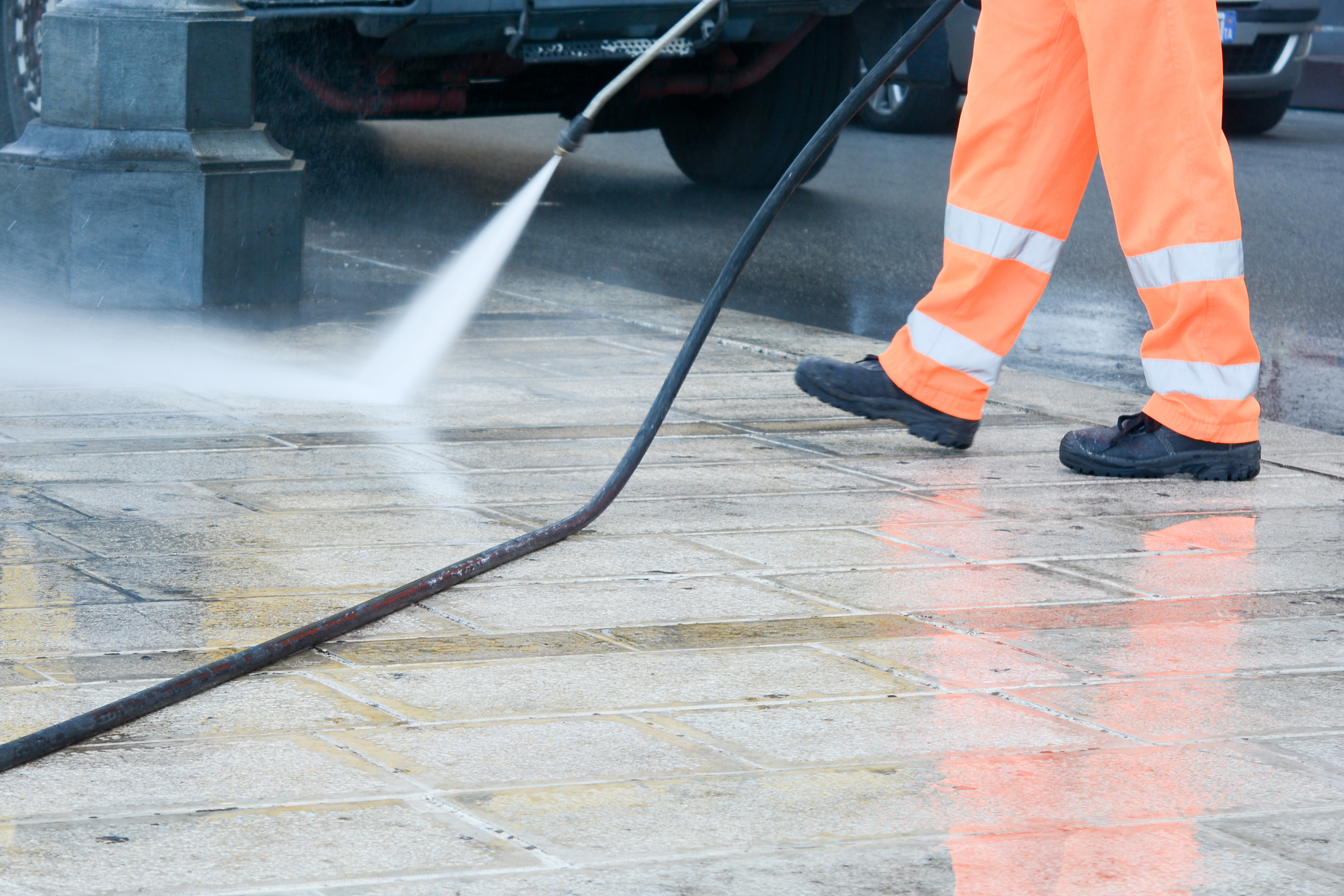 commercial services power washing for businesses.